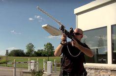 Sabías que Drone Defender, un rifle antidrones que no dispara balas