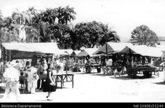 Biblioteca Departamental Jorge Garces Borrero y AMERICO ARANGO. Plaza de mercado en el parque Bolívar y 200663. PALMIRA: Biblioteca Departamental Jorge Garces Borrero, 1900. 12X20.