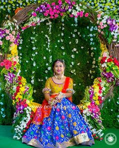 Order Fresh flower poolajada, bridal accessories from our local branches present over SouthIndia, Mumbai, Delhi, Singapore and USA. Indian Wedding Bride, Telugu Wedding, Hindu Bride, Wedding Mandap, Half Saree Function, Wedding Hall Decorations, Indian Wedding Photography, Photography Ideas, Bridal Looks