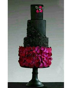 Stunning black and claret wedding cake by @makememycake  #black #violet #ruffles #bespokecake  #cake #cakeart #blackandvioletcake #edibleglitter #satinice #cakes #cakegram#cakeporn#cakesdaily#cakestagram #cakesinstyle#couturecakes#bespokecakes #cakesofinstagram #instacake#cakeartist #cakedesign #torten #küchen #buzzfeed #cakelove #instaphoto #instacake #instafood #cakephotography #instagram #caketime #cakegram
