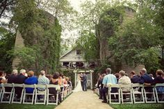 Even having a barn in the background can bring an element of nature alive at your wedding.
