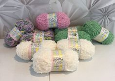 Baby Bee Lambie Pie Polyester Yarn Hobby Lobby 4 Colors 2100 Yds Super Bulky NWT  | eBay