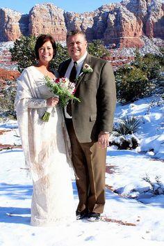 Outside Winter Wedding in Sedona, AZ. #sedonaweddings #sedonadestinationweddings