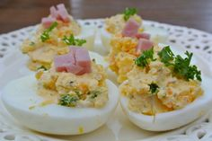 Eggs with creamcheese Tea Snacks, Snacks Für Party, Healthy Snacks, Tapas, Dutch Recipes, Cooking Recipes, English Food, Appetisers, High Tea