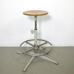 Stool from the sixties by Friso Kramer for Ahrend de Cirkel Home Office, Stationary, 1960s, Stool, Home Appliances, Flooring, Studio, Vintage, Design