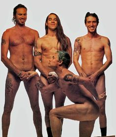 John Frusciante Was Digitally Removed From Red Hot Chili Peppers 1992 Rolling Stone Cover Photo Heavy Metal, John Frusciante, Anthony Kiedis, Hottest Chili Pepper, We Will Rock You, Punk, My Favorite Music, Favorite Things, Rolling Stones