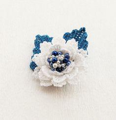 Crochet Brooch - Beaded Brooch - Crochet Flower Brooch - White Flower - Corsage…
