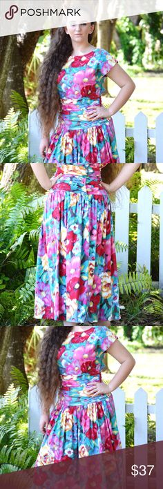 VTG 80's Summer Floral Cotton Dress Authentic Floridian style vintage dress with gorgeous vibrant flowers throughout! Light cotton weight, gathers at the waistline, pleated. Measures 32//26//Free hips. 48 Long. We are clearing out our summer haul! Checkout our other listings! Authentic Original Vintage Style Dresses High Low