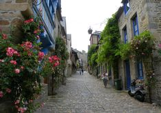 The Quaint and picture perfect town of Dinan Brittany : The Good Life France