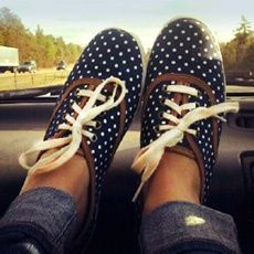 polka dot oxfords with cream laces :)