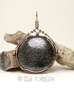 Marcasite in agate pendant wire wrapped by Tela Formosa.