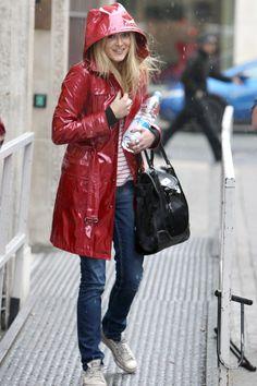 como caperucita roja #red #raincoat