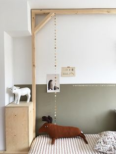 Rafa-kids : Monday inspiration - self made wooden furniture in. Baby Bedroom, Baby Room Decor, Kids Bedroom, Childrens Room, Kids Room Organization, Kids Furniture, Wooden Furniture, Kids Corner, Kid Spaces