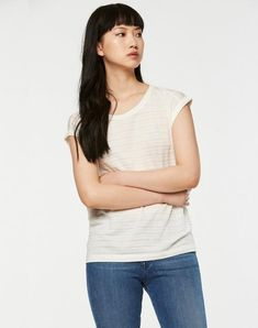 42 Lazy Outfits To Copy Right Now – Fashion New Trends Sustainable Clothing, Sustainable Fashion, Lazy Outfits, T Shirts For Women, Clothes For Women, Cute Fashion, New Trends, Off White, Organic Cotton