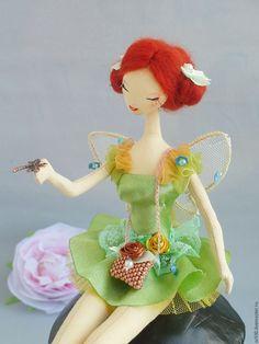 Купить Текстильная кукла Тряпиенс. Фея на грибе. - салатовый, текстильная кукла, тряпиенса, тряпиенс, тряпиенсы
