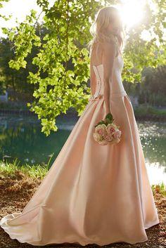 Cymbeline Bridal 2015 Wedding Dresses on We Heart It Cymbeline Wedding Dresses, Blush Dresses, Colored Wedding Dresses, Bridal Wedding Dresses, Bridesmaid Dresses, Wedding Robe, Stunning Dresses, Beautiful Gowns, Vestidos Color Rosa