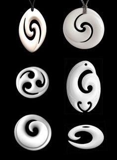 New-Zealand-based Bone Art Place sells amazingly beautiful pendants carved from … New-Zealand-based Bone Art Place sells amazingly beautiful pendants carved from bone, in the Maori [. Bone Crafts, Wood Carving Designs, Bone Jewelry, Maori Art, Bone Carving, Wooden Jewelry, Bones, Design Art, Creations