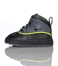 NIKE High top infant toddler boot Padded tongue with NIKE acg logo Lace up  closure b14cd61169