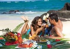 There is nowhere more romantic than Fiji for honeymoons. ✓ For the ultimate in Fiji honeymoon romance, explore our Fiji honeymoon packages. Fiji Holiday, Holiday In Singapore, Singapore Travel Package, Vacation Destinations, Vacation Spots, Vacations, Fiji Honeymoon, Honeymoon Romance, Honeymoon Packages