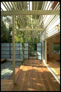trellis over entry porch