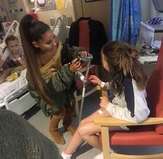 Ari in hospital with fans from Manchester concert❤️❤️