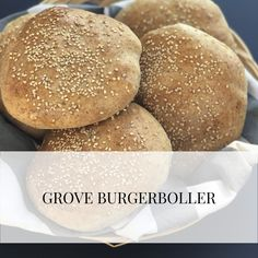 Grove burgerboller til grillsæsonen - Melly Joe Bread Bun, Bread Baking, Hygge, Recipies, Food And Drink, Yummy Food, Healthy, Buns, Board
