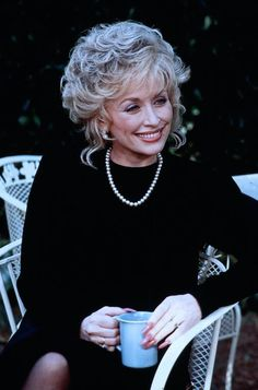 Steel Magnolias starring Julia Roberts, Dolly Parton and Sally Field, stage play written by Robert Harling Tennessee, Dorothy Parker, Steel Magnolias, Country Music Singers, Hello Dolly, Queen, Role Models, Actors & Actresses, Tv Actors