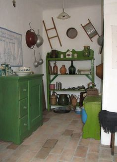 Hungarian farmhouse kitchen in green Cozy Kitchen, Kitchen Cupboards, Finding A House, Art Decor, Home Decor, Cottage Style, Shabby Chic, Rustic, Travelogue