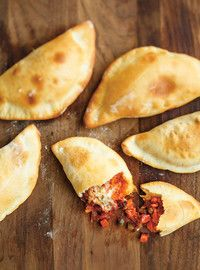 All-Dressed Pizza Pockets (the best) Recipes Pastry Recipes, Pizza Recipes, Beef Recipes, Snack Recipes, Snacks, Pizza Pochette, Freezer Meals, Easy Meals, Pizza