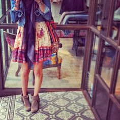 Free People style. Colourful prairie girl dress, paired with ankle boots, denim jacket and huge scarf. So much good.