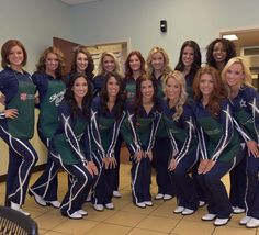 Dallas Cowboy Cheerleaders give back and serve guests early thanksgiving at The Salvation Army USA.