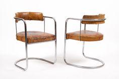 utopiaretromeodern.com - designer:  , produsent: Einar Rustad - Oslo, periode: 1930 c., Ett par armstoler i forkrommet stålrør og original vegetabilsk  skinntrekk i Bauhaus stil.