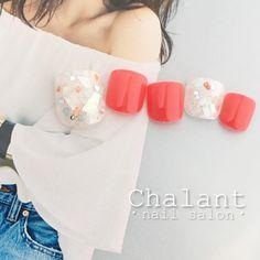 "133 Likes, 2 Comments - nailsalon Chalant (@chalant_nail) on Instagram: ""フットにもbigシェル✨ ・ ・ 【ご予約・お問い合わせ】 0422-27-6367 http://www.chalant-nail.com nailist @sana_1018 ・ ・…"""