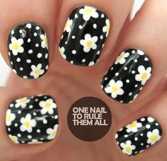 Black & White Daisy Nail Art!! #nails #nailart #blackpolish - bellashoot.com