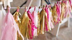 Pour un anniversaire ou toute autre occasion nécessitant une décoration joyeuse, les guirlandes sont toujours une bonne alternative! Et pour une touche personnelle, vous pouvez facilement les concevoir avec divers matériaux: fleurs naturelles ou artificielles, petits luminaires, motifs en papier découpé, etc. Découvrez comment fabriquer une magnifique guirlande à frangesavec des feuilles de papier de … More