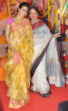 Nice mother-daughter festival fashion - Kajol with mother Tanuja at a Durga Pujo pandal in Mumbai