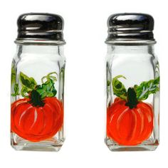 Perfect for fall or anytime table decorating, these large size 2 ounce heavy glass salt and pepper shakers are individually hand-painted with a grouping of ripe of pumpkins. Orange Pumpkins on two sid