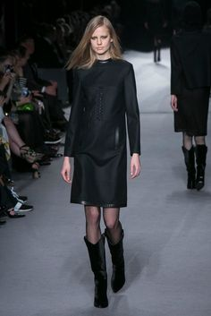 A look from the Tom Ford Fall 2014 RTW collection.