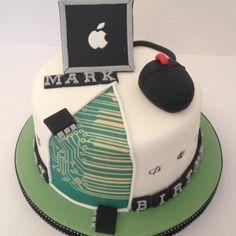 Computer theme cake, this is perfect for my dad!