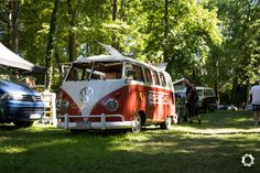 Volkswagen Combi au Meeting du Cox Avenue 2019 - News d'Anciennes Porsche 356, Woodstock, Vw T1, Volkswagen, Reportage Photo, Camper, Cars, Linda Park, Autos
