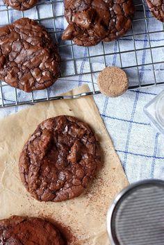 Brownie cookies with dark chocolat and pecan nuts