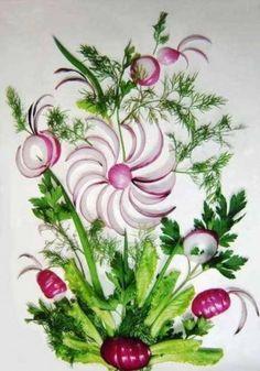 Amazing floral art using onion and other vegetables L'art Du Fruit, Deco Fruit, Fruit Art, Vegetable Painting, Vegetable Carving, Fruits Decoration, Onion Flower, Veggie Art, Bread Art