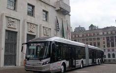 Maiores, os ônibus possuem capacidade de transportar 171 passageiros, dos quais 55 sentados.Os primeiros veículos devem sair às ruas em julho e, de acordo com a Prefeitura, a meta que até 2017 cerca de 2500 novos veículos serão entregues.