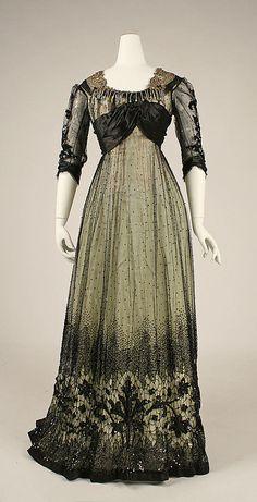 Robe de bal, US, 1908, conservée au MET.