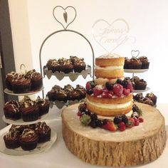 7:30am wedding cake set up! Two tier naked cake and forty five of my finest Oreo stuffed pic'n'mix topped chocolate cupcakes. Happy wedding Carol and James!