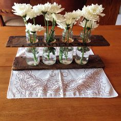 DIY Easy Crafts With Starbucks Glass Bottles Ideas 24 glass bottle crafts 25 Simple but Beautiful Crafts With Starbucks Glass Bottles Ideas - OnDIYiDeas Starbucks Glass Bottle Crafts, Coke Bottle Crafts, Starbucks Bottles, Diy Bottle, Easy Diy Crafts, Jar Crafts, Bottle Centerpieces, Centerpiece Ideas, Wedding Centerpieces
