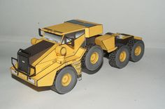KFM-600 Heavy Duty Tractor Free Vehicle Paper Model Download