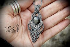 Collar colgante en gris con Obsidiana plateada de Mexico /
