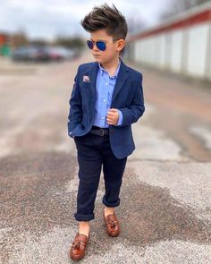 In this article, we would like to share amazing ideas to dress up your kids. Boys Dress Outfits, Outfits Niños, Little Boy Outfits, Little Boy Fashion, Kids Fashion Boy, Toddler Fashion, Baby Boy Outfits, Baby Boy Wedding Outfit, Dress Clothes