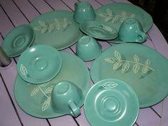 $22 - Russel Wright - Melmac Home Decor Melamine 12 Piece Dinnerware Set